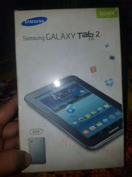 Samsung Galaxy Tab.2 just like new with orignal charger and box