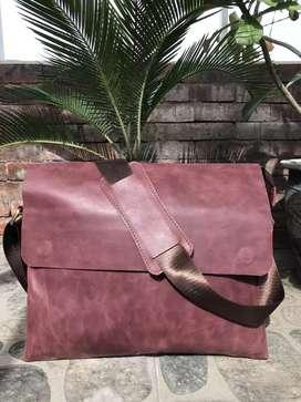 Tas messenger kulit sapi asli pull up crazy horse TOS-05