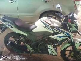Honda cb150r 2013