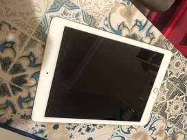 Ipad Pro 9.7 128 GB Wifi only Bonus Smart Pen dan Smart Keyboard Asli