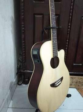 Gitar akustik elektrik epyphone