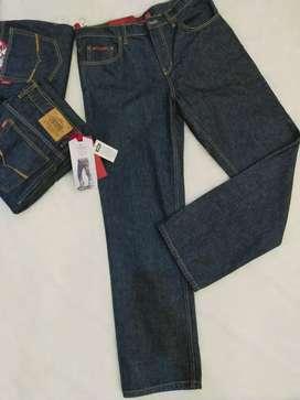 Celana Jeans Reguler Straight Cardinal