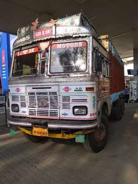 Tata 2515  & 2518 Engine Good Condition Tyre 150000/- Paper Nine Month