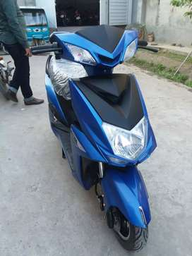 Electric scooty for sale 100km travel in one charge