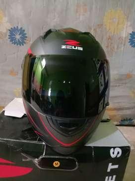 Helm zeus 811 Size M