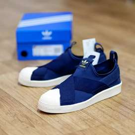 Sepatu sneakers super star navy blue
