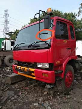 Truck  second (kepala truck) merk nissan PKC 211
