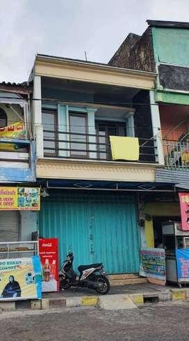 Disewakan Ruko 2 Lantai Under 40 Juta Lokasi Strategis & Ramai di Batu
