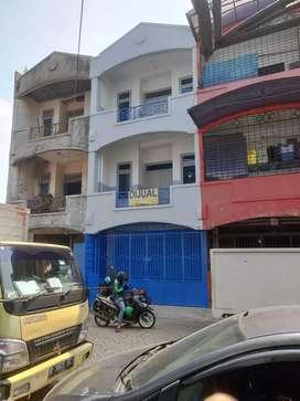 Dijual Ruko Bagus Baru Renovasi di Jl Sawojajar
