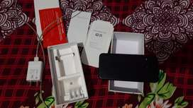 Good condition mobile HONOR PLAY with all accessories BILL BOX CHARGE