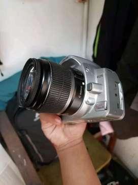 Canon eos kiss digital x + lensa kit