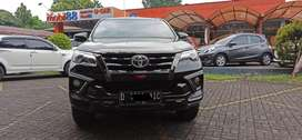 TOYOTA FORTUNER VRZ TRD 2.4 TH 2019