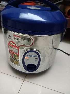 Penanak nasi/Rice cooker sanken 1 Liter Stainles stell