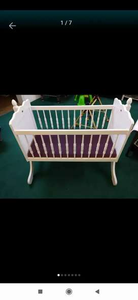 Imprtd Baby Cot with Swinging Option