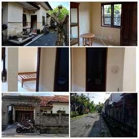 sewa bulan/THN rumah(foto LG direnovasi)luas ada 5kamar di Gatsu timur