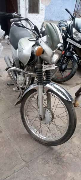 Bajaj Boxer CT 100, MODEL 2003, FIRST HAND and running condition