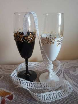 Creative toast glasses
