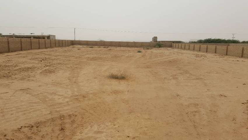 VERY SECURE FARM HOUSE LAND WITH BOUNDARY WALL 0