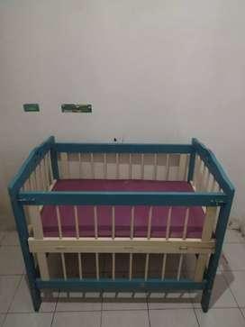 Ranjang Bayi Dari Kayu Asli