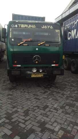 Truck kontainer Mercedes Benz 20 fit