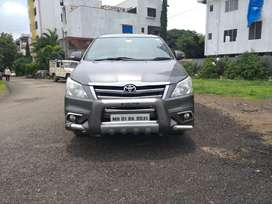 Toyota Innova 2.5 V 7 STR, 2014, Diesel