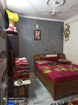 Sale flat 3bhk Govindpuri Gali no15