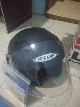 Helm zeus 611 second