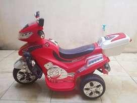 MOTOR BALAP LISTRIK