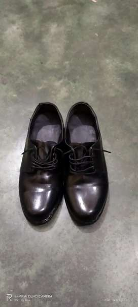 Pure leather shoes (party wear and school use)