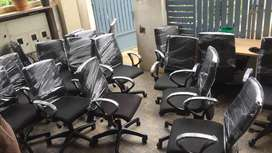 Office chairs 100nos available