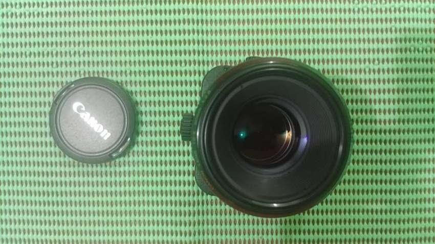 Canon TS-E 90mm F/2.8 Tilt-Shift 0