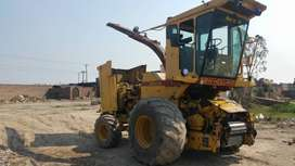 New Holland 2205 silage Machine Late Model Low Price