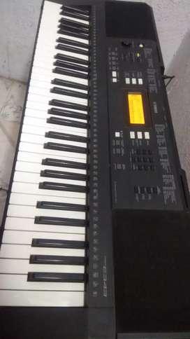 Yamaha keyboard piano for sale