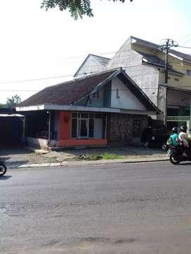 Dijual tanah luas 940 m & bngunan, SHM, tepi jalan raya Mijen Semarang