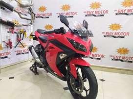Tersedia Kawasaki Ninja 250 FI th 2016 warna merah super mulus