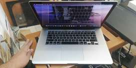 Macbook Pro 15 Inch Mid 2015 Core i7 with Intel & AMD R9 2GB Graphics