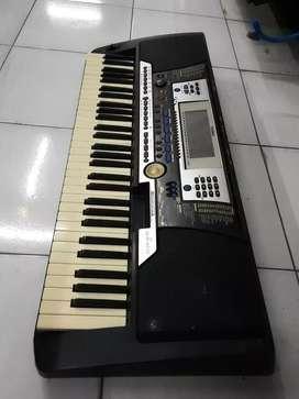 Keyboard yamaha psr540 bekas