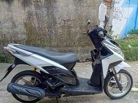 honda vario 110 putih tahun 2011 body mesin terawat