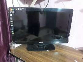 "PHILIPS LCD 5000 series (32"")with DTH"