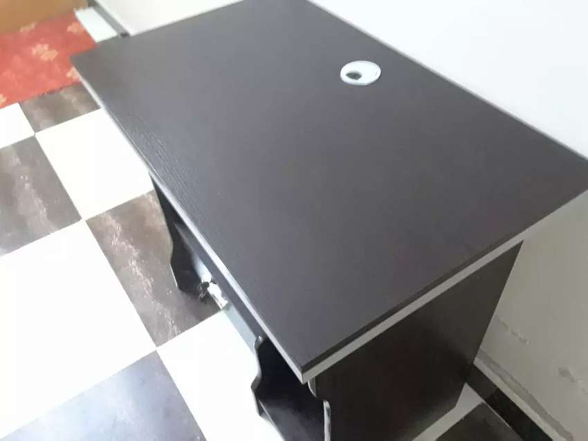 Office computer table slightly used