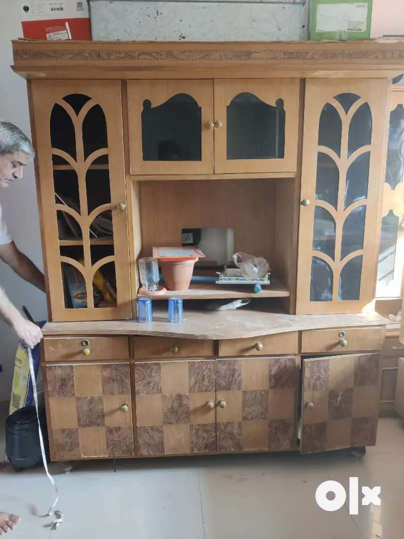 Wooden furniture want  to sell if any one interested please contact 0