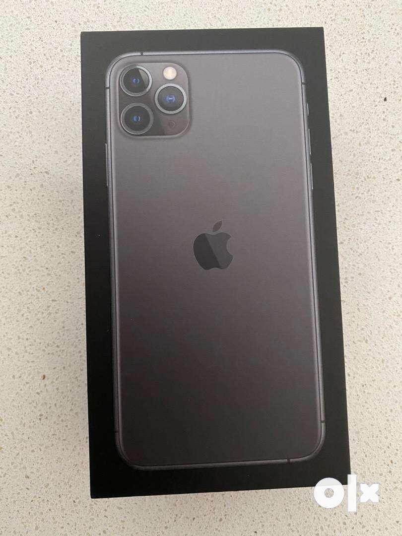 phone 11 pro max 512gb PHYSICAL DUAL SIM. Full box with warranty 0