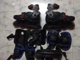 LINER SKATES WITH EQUIPMENT BRANDED 2XS