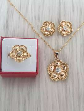 I karet gold plated pandet with chain flower shape with white zercon