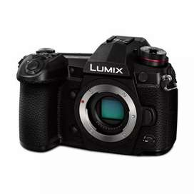 Panasonic Lumix DC-G9 (Body Only)Free:  Extra Battery Bisa kredit