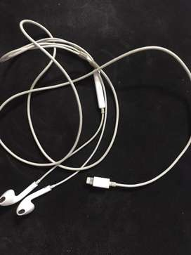 iPhone Headphones / Earphones - Original / Genuine