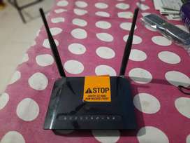 D- Link Wireless N3000l ASDL2+ Router DSL-2750U at Lowest price