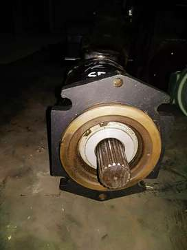 Pumpa trapelmotor getar untuk molen mixer/vibro  IR SD100D alat berat