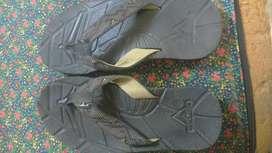 Sandal jepit eiger