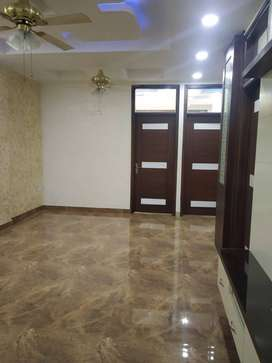 3 BHK BUILDER FLAT AVAILABLE IN VAISHALI NEARBY METRO
